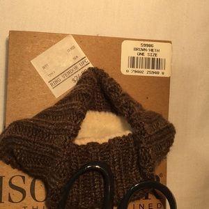isotoner Accessories - NWT Isotoner men's winter gloves